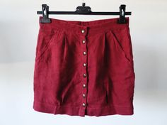 Gonna ottenuta dal riciclo di pantaloni in lino   Skirt get from recycled linen fabric trousers