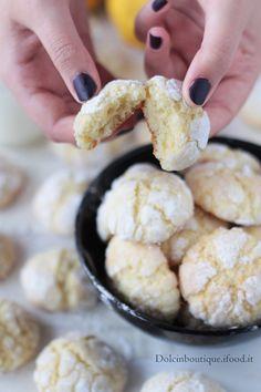 Crinkle lemon cookies