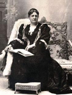 Ellen Walworth one of four founders of the DAR