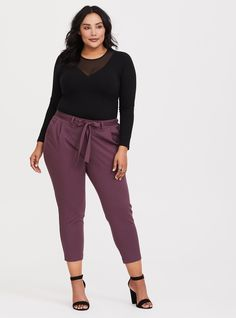 Tie Front Tapered Challis Pant - Crafted from lightweight challis a tapered cigarette leg streamlines your figure while a partially smocked back offers a comfortable fit all day long. Curvy Outfits, Classy Outfits, Plus Size Outfits, Business Casual Outfits For Women, Business Attire, Business Fashion, Interview Outfit Summer, Interview Outfits, Summer Work Outfits