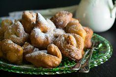 Sweet Buns, Sweet Pie, Sweet Desserts, Dessert Recipes, Greek Sweets, Yams, Greek Recipes, Pretzel Bites, Baked Potato