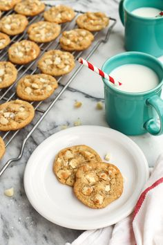 White Chocolate Macadamia Nut Cookies With Sea Salt The . White Chocolate Macadamia Nut Cookies With Sea Salt The . White Chocolate Chip Dried Berry And Macadamia Nut . Home and Family White Chocolate Macadamia Cookies, Macadamia Nut Cookies, Almond Cookies, Sin Gluten, Fun Desserts, Delicious Desserts, Dessert Recipes, Holiday Desserts, Dessert Ideas