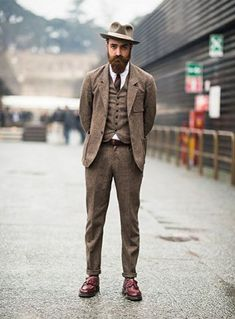 Gentleman Style 272256739948411549 - Matteo Gioli wears a Camo suit with a Super Duper hat, Eton shirt and Dr. Source by josahn Camo Suit, Camouflage Suit, Tweed Suits, Mens Suits, Brown Tweed Suit, Look Fashion, Mens Fashion, Fashion Outfits, Fashion Vest