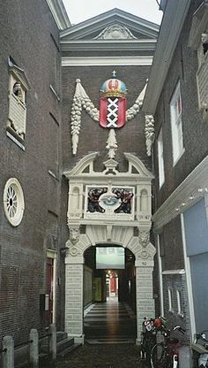 Amsterdams Historisch Museum, nu Amsterdam Museum, in de  Kalverstraat