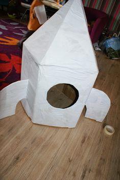 fabriquer une fus e objectif lune pinterest fus e ciloubidouille et espace. Black Bedroom Furniture Sets. Home Design Ideas
