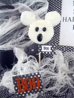 Crissy's Crafts: Mickey {The Ghost} Oreo Pops