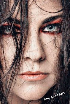 Amy Lee ❤ Rainha Do Rock, Katy Perry Hot, Amy Lee Evanescence, Rock Queen, Metal Albums, Goth Beauty, Female Singers, Record Producer, Music Artists