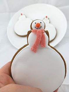 Large Snowman Cookie | #christmas #xmas #holiday #food #desserts