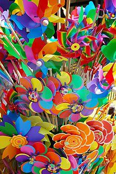 Rainbow of Pinwheels Happy Colors, True Colors, All The Colors, Vibrant Colors, Taste The Rainbow, Over The Rainbow, World Of Color, Color Of Life, Color Splash