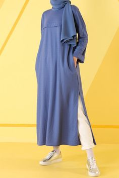 Allerli Tunik Gece Mavisi Robes from girls's beloved objects of clothes could be the important thing to an authentic equilibrium … Muslim Fashion, Modest Fashion, Hijab Fashion, Fashion Art, Boho Fashion, Fashion Outfits, Hijab Casual, Casual Outfits, Muslim Dress