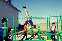 Image result for street workout Garden Gym Ideas, Playground Bar, Street Workout, Wrestling, Sports, Image, Lucha Libre, Hs Sports, Sport