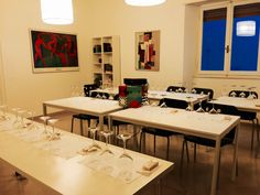 La storia del #Vino dalla viticoltura all'enologia attraverso i segreti delle tecniche di degustazione e l'abbinamento cibo-vino. 4 incontri serali 12 degustazioni. http://www.umbrialab.it/#!corso-di-avvicinamento-al-vino/c1wuh