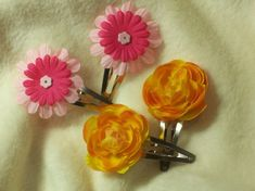 Items similar to Hair Sets of Very Pretty Sunny Yellow and Tickle Me Pink Hair Clips on Etsy 2 Set, Pink Hair, Pink Flowers, Hair Clips, Sunnies, Bobby Pins, Little Girls, Hair Accessories, Bronze