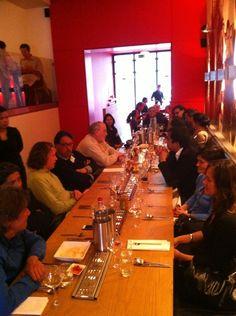 Indisch netwerken tijdens de eerste Roots at Work-borrel in #Blauw #DenHaag #restaurant. Kijk op http://www.linkedin.com/groups?gid=5041654 voor de locatie en datum van de volgende R@W.