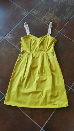 bfc9bcdd642 jolie robe d été à bretelles - Très jolie robe d été couleur acidulée jaune
