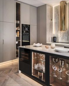 Classic living room and minimalist room decor are the trends of interior design now. Plants and modern lighting are also great decor. Luxury Kitchen Design, Kitchen Room Design, Home Decor Kitchen, Interior Design Kitchen, Home Kitchens, Decorating Kitchen, Kitchen Ideas, Küchen Design, Home Design