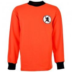 Looking for retro Dundee United gear? Look no further than TOFFS! We offer retro football shirts and memorabilia, handmade in the UK. Football Shirt Designs, Retro Football Shirts, Football Design, Football Kits, School Football, Dundee United, Online Scrapbook, Embroidered Badges, Home Team