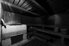 Традиционная финская дымная сауна (savusauna). Фото: timopuhakka