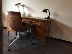 oud-bureau-hout-vintage-design-loft-lovt1