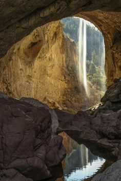Tonto Natural Bridge, near Payson AZ