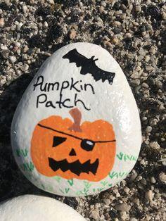 Halloween Rocks, Halloween Ideas, Autumn Painting, Rock Painting, Rock Crafts, Fall Crafts, Painted Pumpkins, Painted Rocks, Halloween Coloring Pages Printable