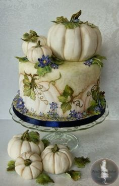 The cake is sweet potato spice, filled with spiced brown sugar buttercream and candied pecans! Cake Wrecks - Home - Fall Into Sweets - MadHouse Bakes Cake Wrecks, Unique Cakes, Creative Cakes, Elegant Cakes, Cute Cakes, Pretty Cakes, Gorgeous Cakes, Amazing Cakes, Mini Cakes