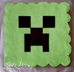 "(I) (L)ove (D)oing (A)ll Things Crafty!: Minecraft ""Creeper"" Cupcake Cake"