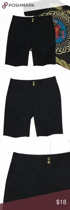 """Michael Michael Kors Black Long Walking Shorts 4 Michael Michael Kors Black Long Walking Shorts. The close up pic has black washed out to show the name plate on pocket. Color is true Black. Size 4 measures flat approximately: 14.5"""" across waist, 18"""" across hips, 10"""" inseam, 18"""" at longest. 97% cotton, 3% spandex. Pockets on the front and back, button and zip front close. 312/50/031618 summer heat basics Dressy MICHAEL Michael Kors Shorts"""