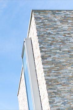Architecture: Boxxis Architecten Photography: Buonq #Flagstonecompany #Naturalstones #Stonestrips #Home #Exterior #Villa #House #Facade #Facadedesign #Homedesign #Exteriordesign #Villadesign #Housedesign #Homeinspiration #Villainspiration #Walldecoration #Stonewall #Homedecoration #Housedecoration #Modernhome #Luxury #Architecture #Natuurstenen #Steenstrips #Exterieur #Wooninspiratie #Exterieurinspiratie #Landhuis #Wandbekleding #Stenenmuur #Gevel #Gevelstenen #Architect #Huisinspiratie Dream Houses, Home Design, Contemporary Design, Furniture Design, Homes, Explore, Modern, Ideas, Dream Homes
