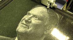 Изготовление портрета Капицы С.П. на гранитной памятной доске методом алмазной гравировки.