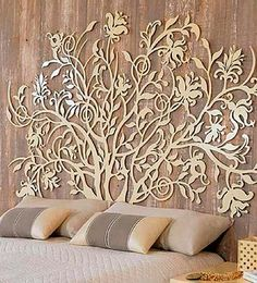 A few golden art deco details and you have a clear statement of elegance for any room. Laser Cut Metal, Laser Cutting, Deco Design, Wall Design, Laser Cut Screens, Bedroom Decor, Wall Decor, Bedroom Wall, Cnc Projects