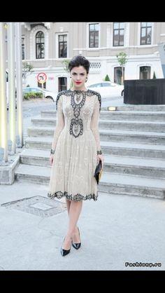 Очень красивое и нежное платье с кружевом. Я в восторге
