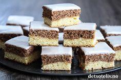 """""""Studenterstump"""" er en gammeldags, norsk langpannekake som mange er veldig glad i! Kaken ligner litt på """"Marmorkake i langpanne"""", siden den består av en lys og en mørk kakedeig. Kaken er myk, saftig og kjempegod! Oppskriften er til stor langpanne. Krispie Treats, Rice Krispies, Vanilla Cake, Cheesecake, Food And Drink, Baking, Desserts, Tailgate Desserts, Deserts"""