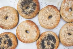 Bagel baking ain't easy, but here's a recipe for classic New York Bagels you can make at home, along with a recipe for Pale Ale Cream Cheese. Breakfast Time, Breakfast Recipes, Cheap Meals, Easy Meals, New York Bagel, Brunch, Homemade Bagels, Bagel Recipe, Macaron