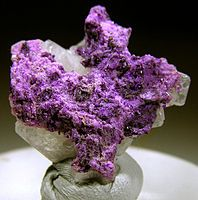 Sugilite - Wikipedia, the free encyclopedia