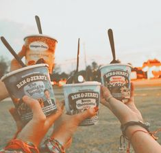 Summer Aesthetic, Aesthetic Food, Food N, Food And Drink, Cute Friend Pictures, Cute Friends, Ben And Jerrys Ice Cream, Veggie Recipes, Aesthetic Pictures