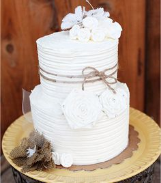 So pretty!!  Rustic Wedding Cakes with an Elegant Touch | ContemporaryBride.com