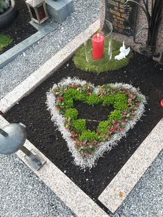 Front Garden Entrance, Cemetery Flowers, Funeral, Diy And Crafts, Succulents, Decoration, Memories, Outdoor Decor, Gardens