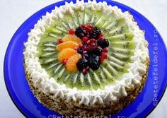 TORT CU FRISCA SI FRUCTE Cheesecake, Deserts, Food Porn, Mousse, Food And Drink, Cooking Recipes, Sweets, Cakes, Garden