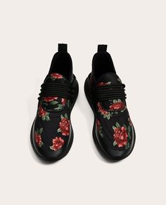 Image 1 of BLACK FLORAL SNEAKERS from Zara
