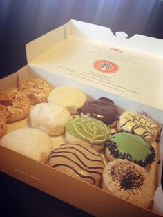 Lunar's Addictions: Gastronomical Adventure in Baguio City: J.Co Donuts in SM Baguio : A comprehensive donut review