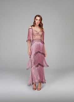 20 ideas skirt fashion design gowns for 2019 Fashion Week, Skirt Fashion, Trendy Fashion, High Fashion, Fashion Dresses, Outfit Formal Mujer, Look Retro, Looks Style, Marchesa