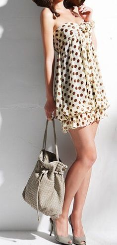 Polka dots in chocolate brown bubble dress. Now if only i had the bod.....story of my life!