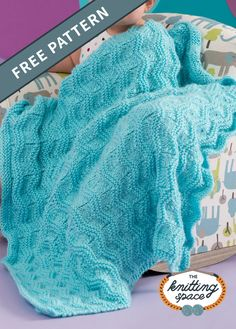 Craft this simply soft knitted chevron baby blanket, perfect for a classic nursery. This easy knitting project also makes for a lovely handmade baby shower present with an heirloom potential.| Discover over 3,500 free knitting patterns at theknittingspace.com #knitpatternsfree #easyknittingpatterns #knittingforbabies #christeninggifts #baptismalgifts  #handmadegifts #DIY #springknittingpatterns #springknittingprojects #springknits Easy Knitting Projects, Easy Knitting Patterns, Baby Patterns, Free Knitting, Baby Knitting, Blanket Patterns, Knitting Ideas, Chevron Baby Blankets, Knitted Baby Blankets