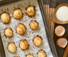 Coconut Keto Zone Macaroons Looking for another delicious and guilt-free Keto Zone dessert? Macarons Sans Gluten, Gluten Free Macaroons, Coconut Macaroons, Gluten Free Cookies, Keto Cookies, Coconut Recipes, Keto Recipes, Healthy Recipes, Healthy Treats