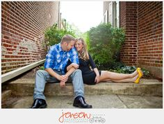 cute pose for engagement pictures