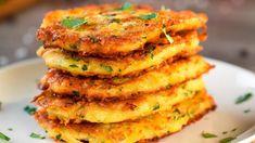 Chrupiące placki ziemniaczane. Pyszne i nie nasiąknięte tłuszczem. To najprostszy przepis jaki można sobie wymarzyć   WTV Pizza Sin Gluten, Baked Omelette, Potato Pancakes, Beignets, Potato Recipes, Salmon Burgers, Mozzarella, Finger Foods, Good Food