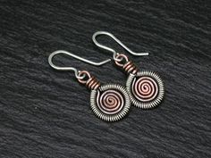 Jewelry Making Tutorials. News How To Make Jewelry, Beading, Wire Jewelry, Chain maille: Jewelry Making Tip: Wire work coiling and FREE tutorial