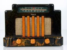 Bakelite tube radio.