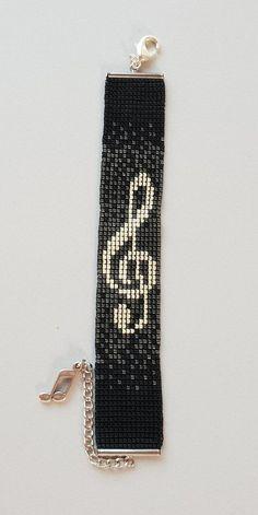 "Miyuki Armband ""Music"" versilbert - Source by mini Loom Bracelet Patterns, Bead Loom Bracelets, Beaded Jewelry Patterns, Bead Loom Patterns, Beading Patterns, Gold Bracelets, Gold Earrings, Beading Ideas, Chain Earrings"